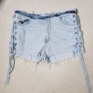 Zara distressed lace up jean shorts size 4